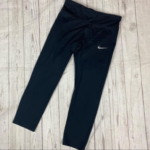 Nike Black Essential Crop Running Legging